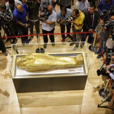 Egipto recupera ataúd saqueado que se exhibía en museo de Nueva York