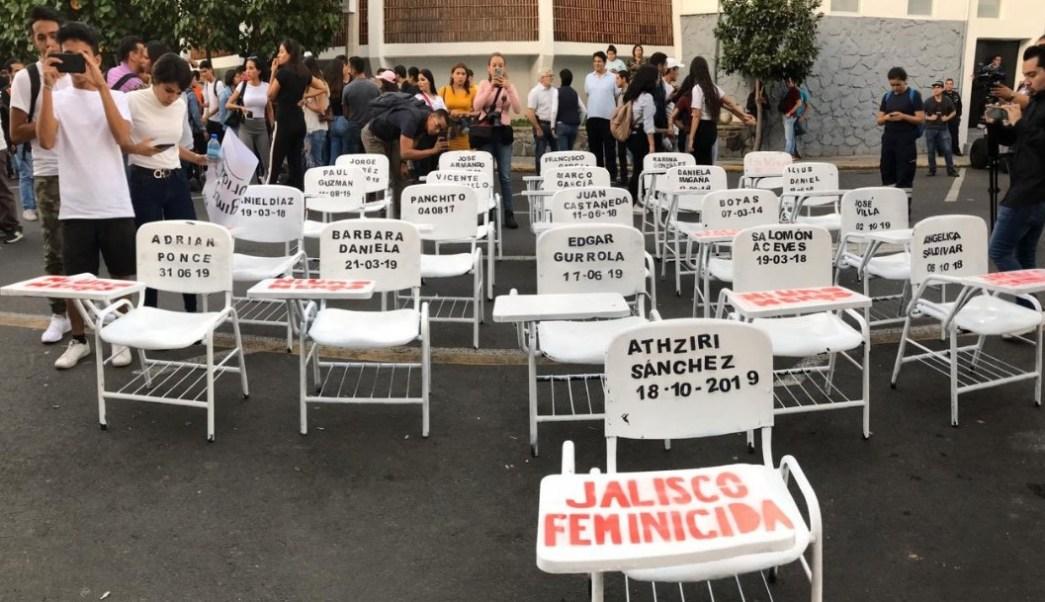 Foto: Los inconformes se manifestaron en la Fiscalía de Derechos Humanos del estado para exigir por el asesinato de la joven estudiante de la UdeG