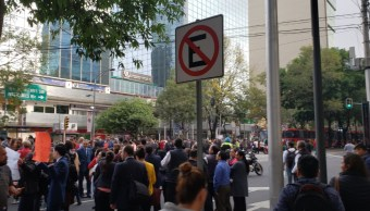 FOTO Bloqueo afecta servicio en Línea 1 del Metrobús CDMX (Twitter)