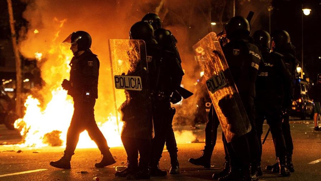 Foto: La policía anunció que hubo tres detenidos en Barcelona, 15 de octubre de 2019 (EFE)