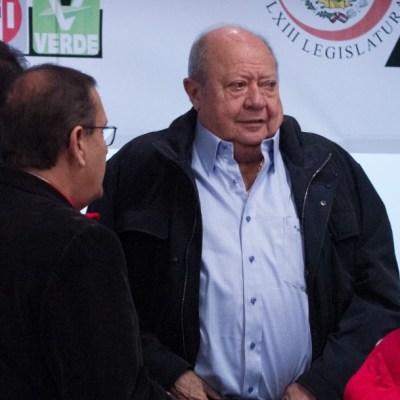 Carlos Romero Deschamps renuncia al sindicato petrolero