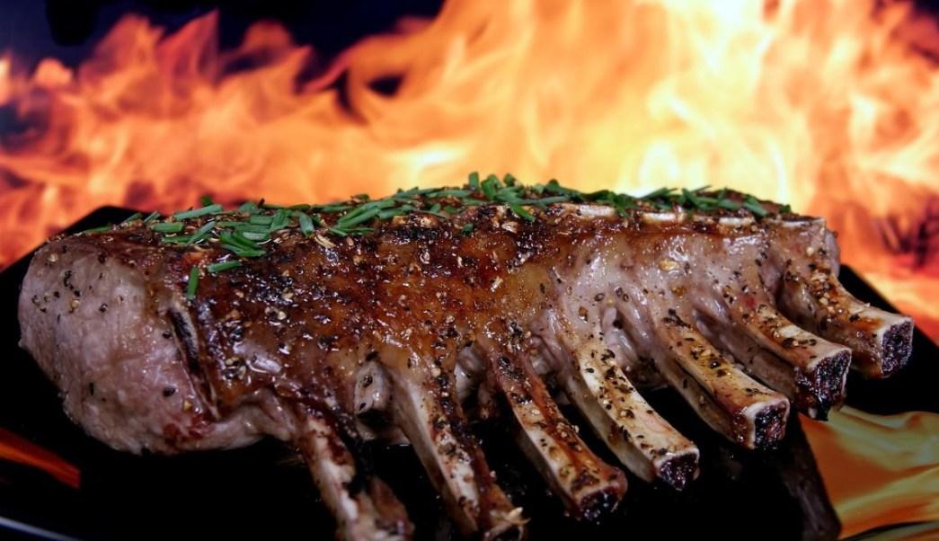 Imagen: La investigación establece que no se puede decir con certeza que comer carne roja o procesada cause cáncer, el 1 de septiembre de 2019 (Pixabay)