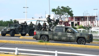 Foto:Militares en Culiacán tras diversos enfrentamientos por la detención de Oviedo Guzmán López , hijo de 'El Chapo Guzmán' , 30 octubre 2019
