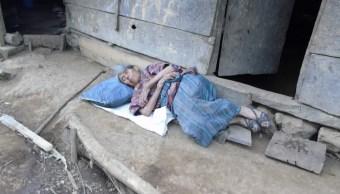 Foto Hipotecó su casa para que su hijo estudiara; él la abandona en la calle 18 octubre 2019