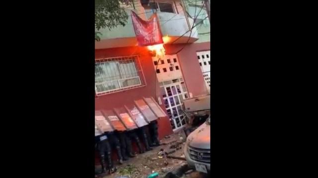 Foto: Heridos y bombas molotov durante desalojo en la colonia Alfonso XIII, 15 de octubre de 2019
