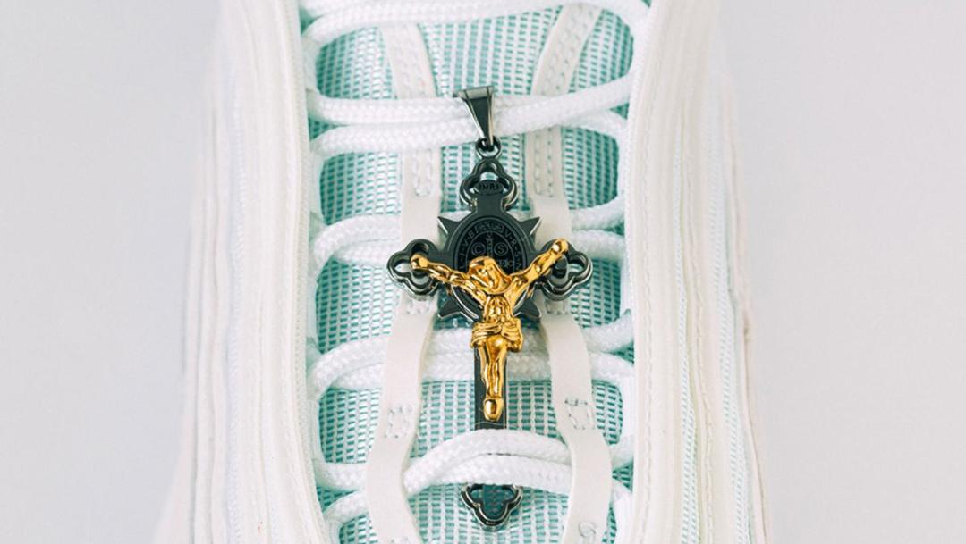 tenis jesus detalles religiosos