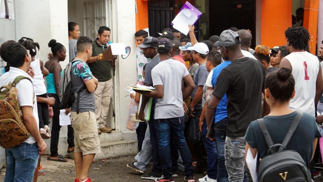 Imagen: Las autoridades hicieron más de 810.000 detenciones en la frontera en el año fiscal terminado en septiembre, una cifra que no se había visto en más de 10 años, 21 de octubre de 2019 (EFE)