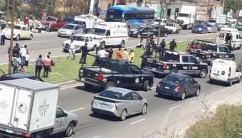 En el libramiento Manuel Zavala fueron apoyados y atendidos por ambulancias de la Cruz Roja, 03 octubre del 2019 (https://zonafranca.mx)