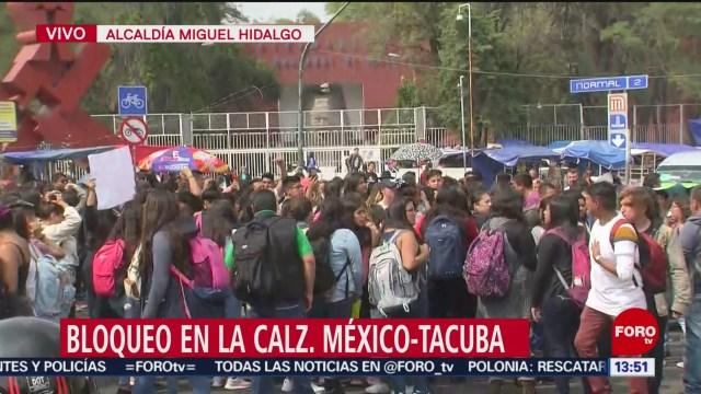FOTO: Estudiantes bloquean Calzada México-Tacuba por escasez agua