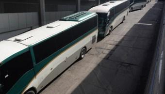 FOTO Flecha Roja reporta secuestro de autobuses por parte de normalistas en Edomex (Cuartoscuro archivo)