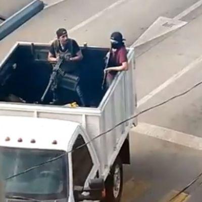 Videos y fotos: Comando desata balacera en Culiacán, Sinaloa