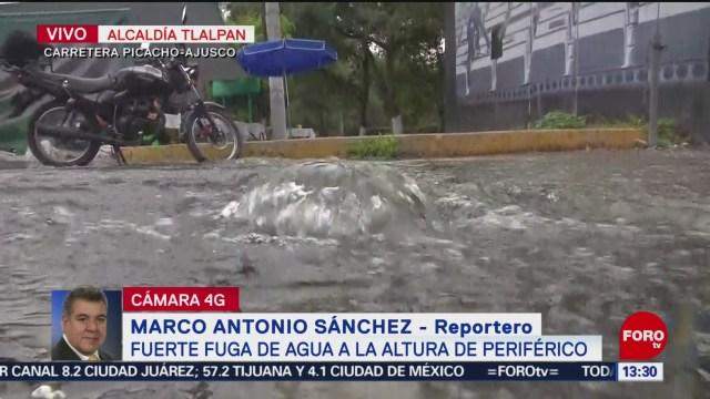 FOTO: Fuerte Fuga Agua Cerca Periférico CDMX