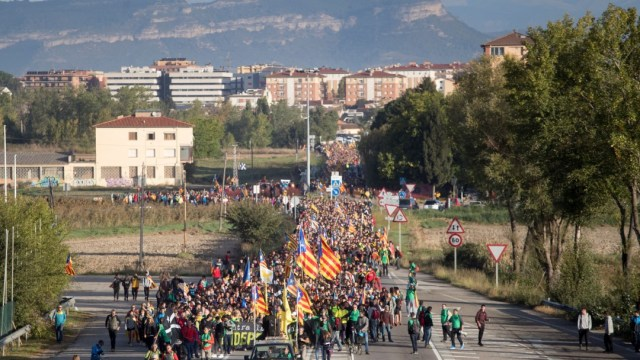 Foto Grupos independentistas marchan en Cataluña, España