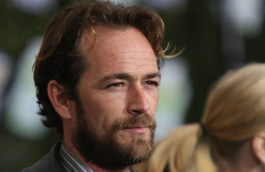 Hijos de Luke Perry reciben herencia millonaria del actor.