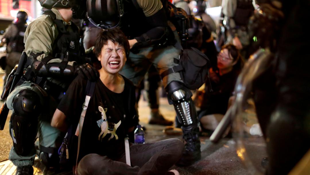 Foto: Esta nueva medida gubernamental ha provocado enfado en las calles, que han registrado nuevos enfrentamientos entre manifestantes radicales y agentes de Policía, 7 de octubre de 2019 (Reuters)