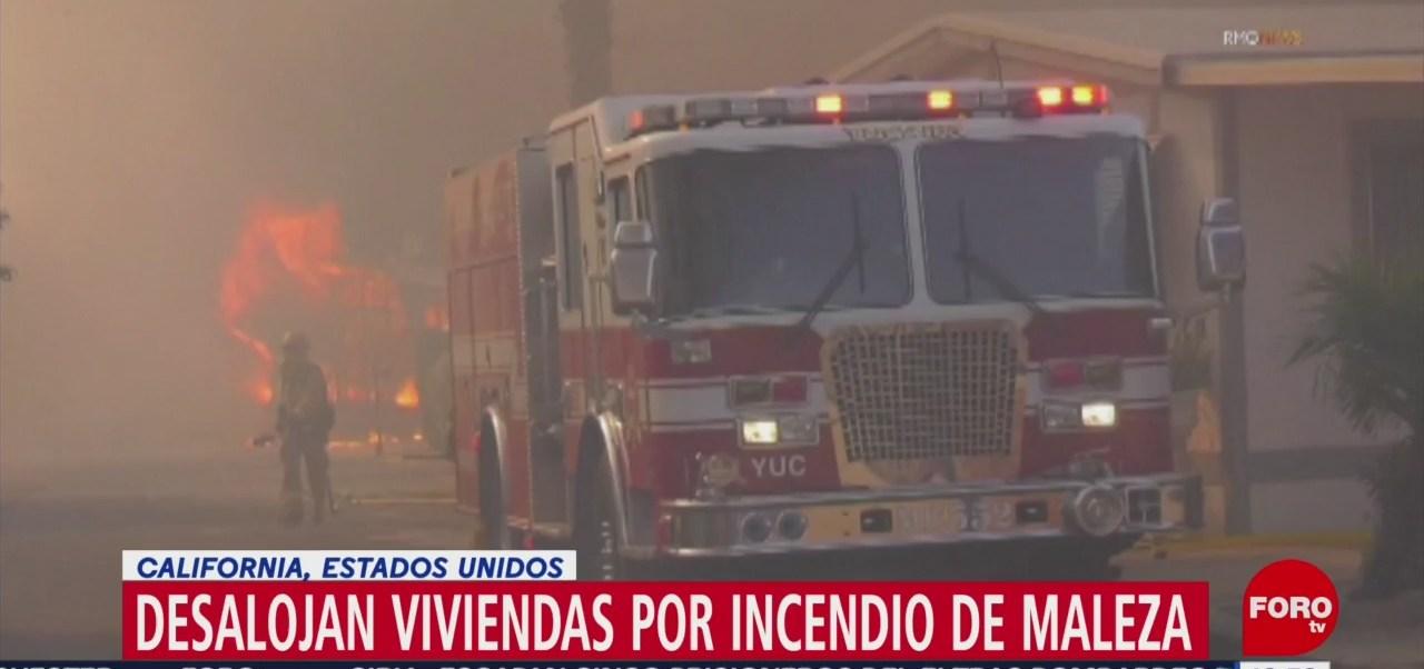 Incendio forestal en California provoca desalojo de decenas de viviendas