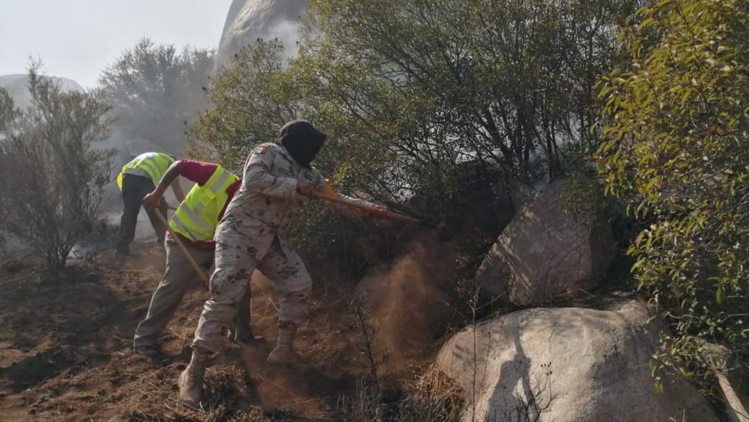 Foto: La dependencia dio a conocer que suman nueve mil 880 las hectáreas afectadas en Ensenada, Tecate, Rosarito y Tijuana, Baja California, debido a los incendios forestales causados por la condición de Santa Ana