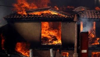 Foto Incendios en Tijuana consumen al menos 60 viviendas