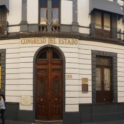 Puebla rechaza despenalización del aborto y matrimonio igualitario
