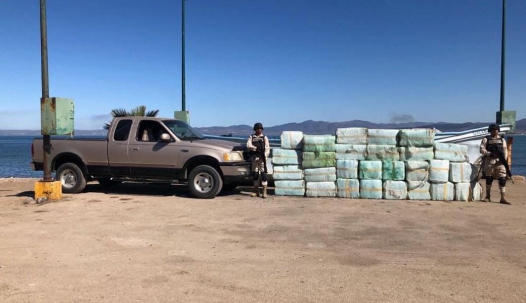"""Foto: La autoridad militar informó que el decomiso ocurrió en el campo pesquero y turístico """"La Joya"""", 23 de octubre de 2019 (Noticieros Televisa)"""