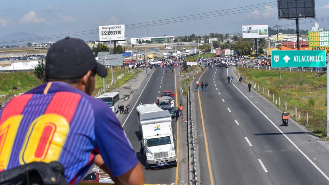 Foto: Integrantes de la CONIMER bloquearon la carretera Toluca-Atlacomulco, 24 octubre 2019