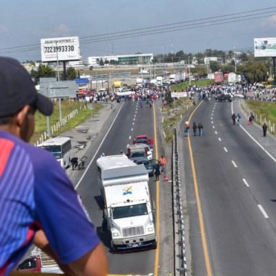 Chatarreros retiran bloqueos carreteros tras acuerdo con Segob
