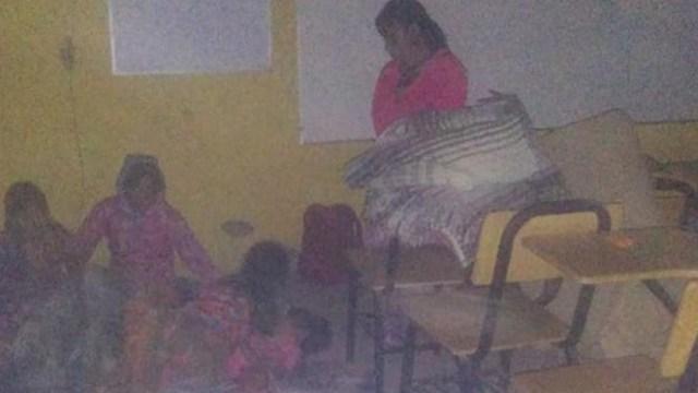 FOTO Maestra pide ayuda para escuela en comunidad rarámuri (Facebook)