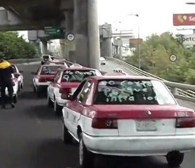 Taxistas se manifiestan en segundo piso de Periférico Sur, en CDMX