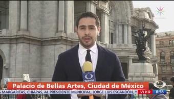 Mexicanos se reúnen en Bellas Artes para homenaje a José José