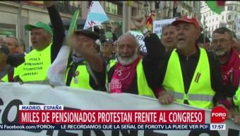 FOTO: Miles pensionados manifestaron frente congreso España