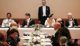 Foto: El emperador Naruhito y la emperatriz Masako se sentaron en la mesa principal, acompañados por otras 54 personas, 22 de octubre de 2019 (EFE)