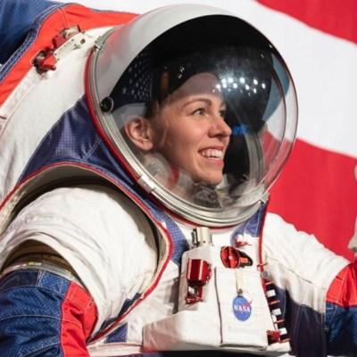 NASA adelanta caminata espacial de mujeres