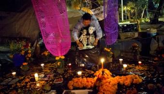 Día-Muertos-ofrendas-cempasuchil-altar