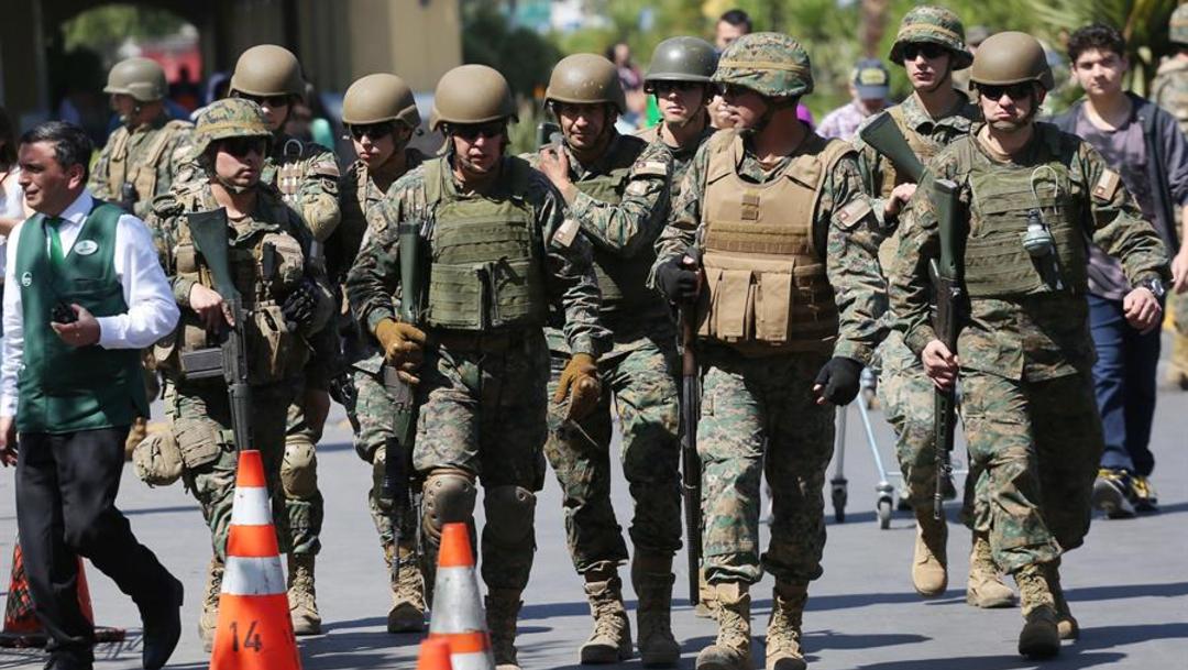 Foto: Se han desplegado miles de militares para tratar de recomponer el orden público, 21 de octubre de 2019 (EFE)