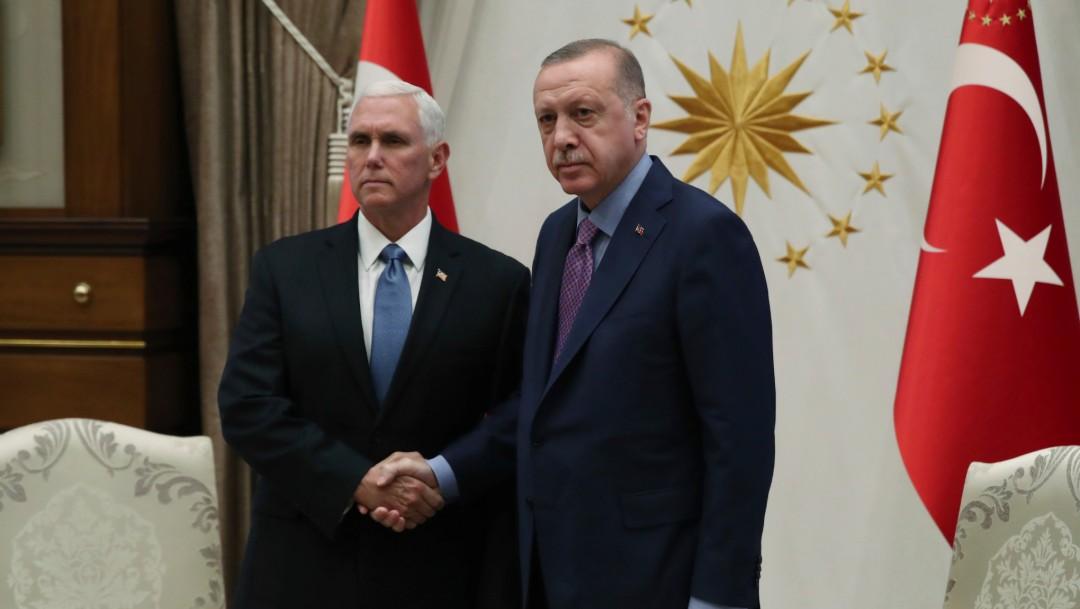 Foto: Presidente turco arroja a la basura la carta con amenazas de Trump,17 de octubre de 2019