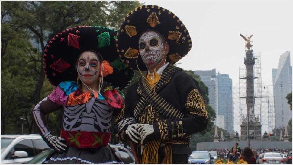 Foto: Los catrines y las catrinas también se vistieron de héroes revolucionarios en la Mega Procesión, 26 de octubre de 2019 (MAGDALENA MONTIEL /CUARTOSCURO.COM)