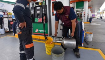 FOTO Gasolina mezclada con agua fue por falta de mantenimiento, informó Profeco (Cuartoscuro/Crisanta Espinosa)
