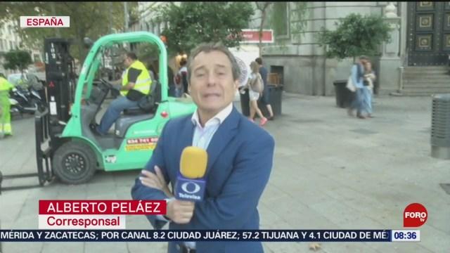 FOTO: Realizan trabajos de limpieza tras intensas manifestaciones en Barcelona, 20 octubre 2019