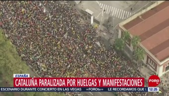 Se desatan disturbios en Barcelona, manifestantes enfrentan a policías