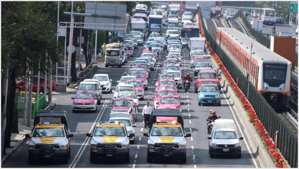 Foto: Taxistas de diferentes organizaciones realizaron una marcha por Avenida Tlalpan, 7 de octubre de 2019 (FOTO: ROGELIO MORALES /CUARTOSCURO.COM)