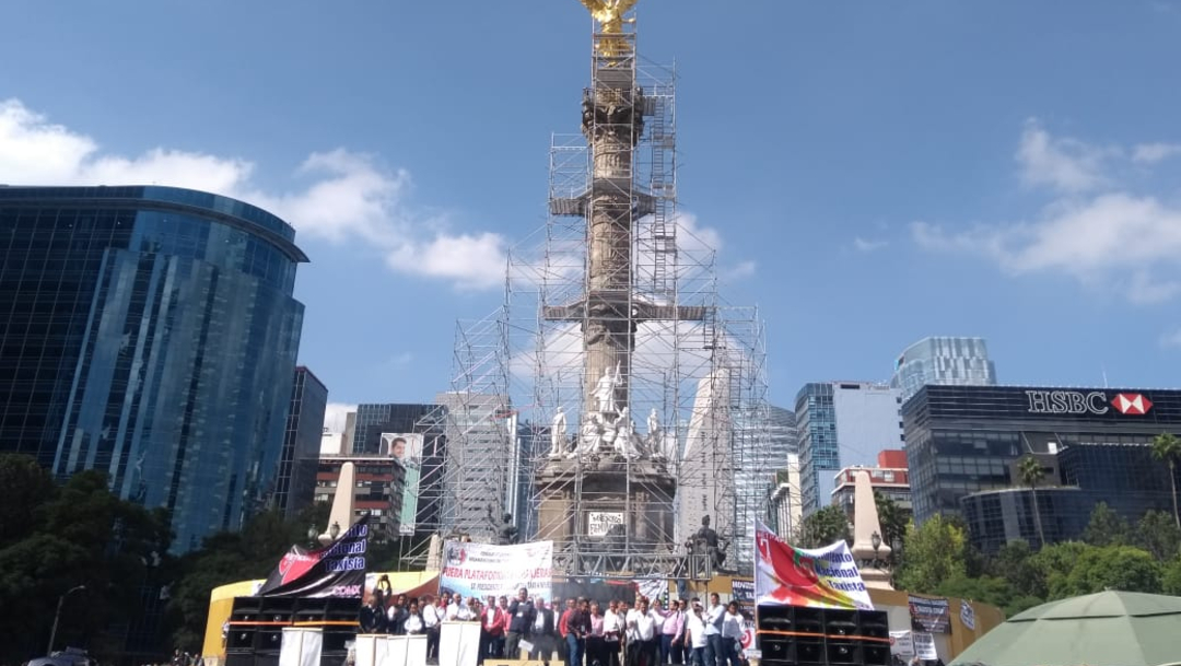 Foto: El Movimiento Nacional Taxista (MNT) amenazó con realizar un plantón permanente en Paseo de la Reforma de seguir el rechazo de las autoridades locales y federales, 7 de octubre de 2019 (S. Servín)