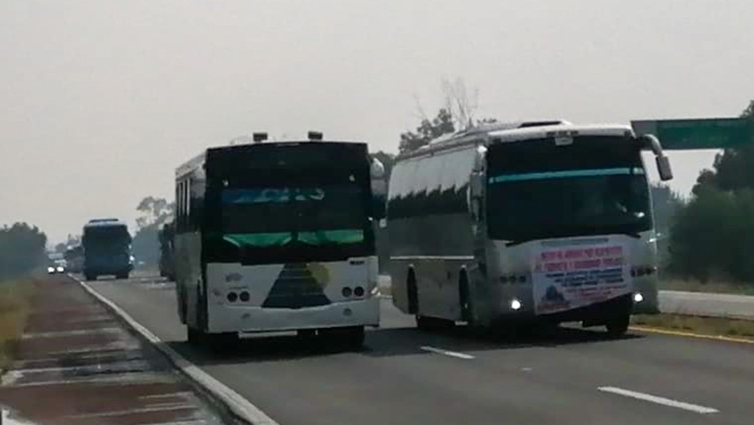 Foto: Integrantes de la Alianza Mexicana de Organización de Transportistas AC se manifestaron en distintos puntos del país, el 29 de octubre de 2019 ((Foto: Armando Monroy /Cuartoscuro.com)