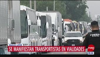 Transportistas se manifiestan en Nuevo León