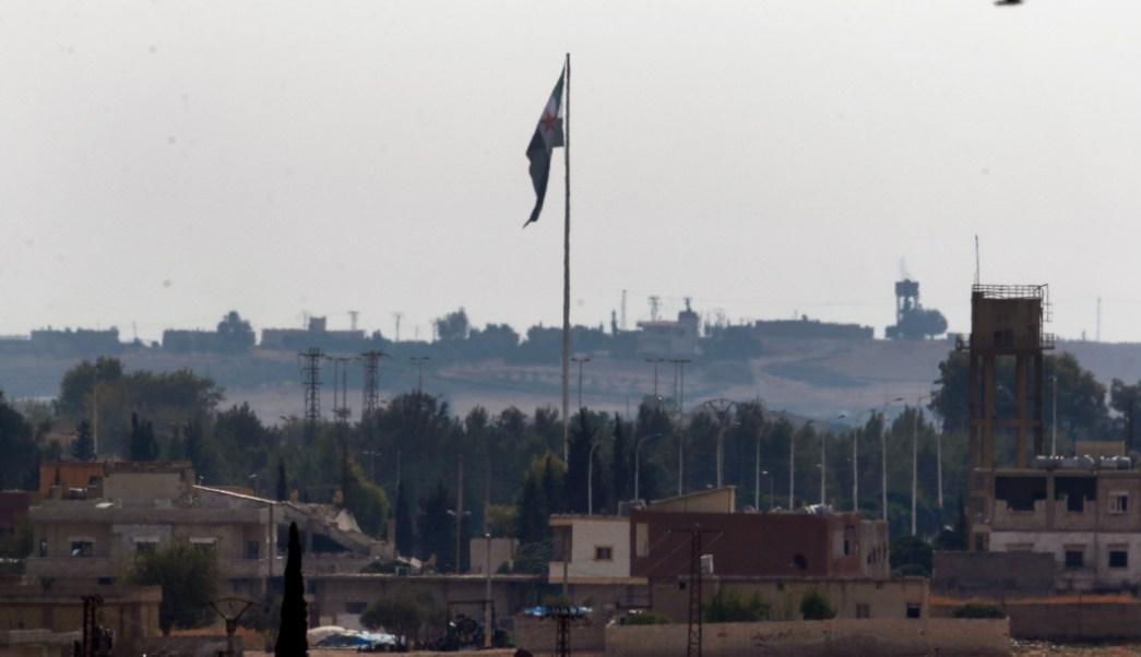 FOTO Erdogan: Turquía reanudará ofensiva en Siria si EU no cumple promesas (AP)
