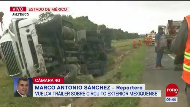 Vuelca pipa con manteca en el Circuito Exterior Mexiquense