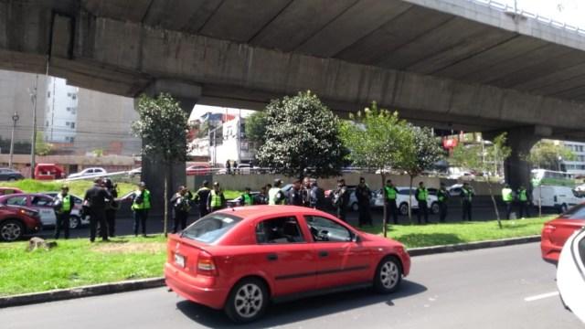 Aspectos del bloqueo en Periférico Sur de hoy. (S. Servín)