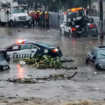 Mujer muere arrastrada por corriente de agua, tras fuertes lluvias en Chihuahua