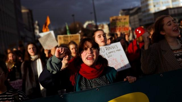 Foto: Protestan en todo el mundo contra el cambio climático, 29 de noviembre de 2019 (AP)