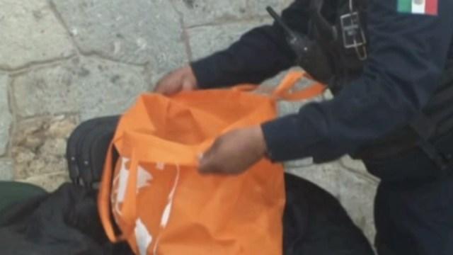 FOTO Abandonan a bebé recién nacido en una bolsa (FOROtv)