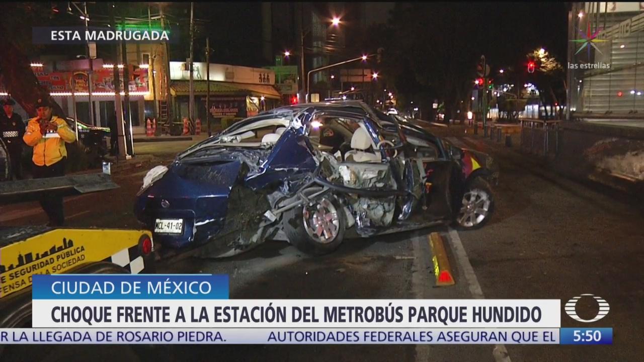 Foto: Accidente automovilístico daña estación Metrobús Parque Hundido